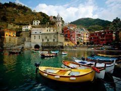 Boat in Vernazza