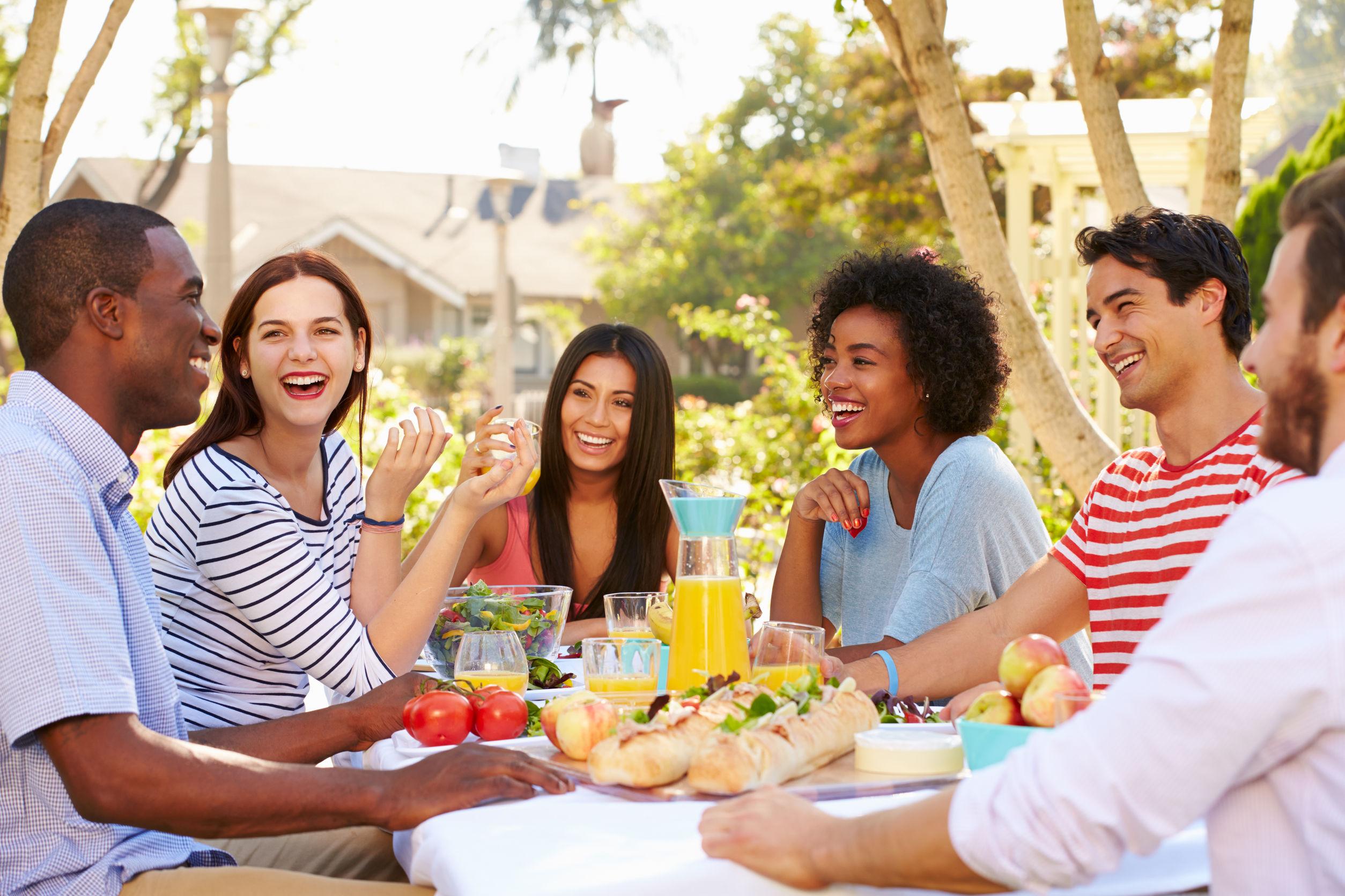 5 Outdoor Entertaining Tips