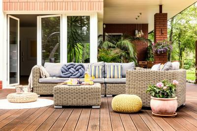 5 Spring Patio Decorating Ideas