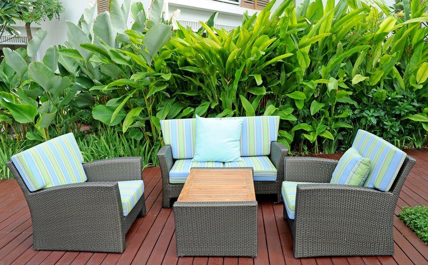 Get helpful summer patio decorating tips.
